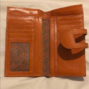 HOBO Bags - NWOT Hobo wallet with attached coin purse
